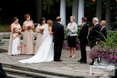 Outdoor wedding ceremony at the Parkwood Estate sunken garden